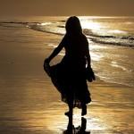 Gary Bagshawe: Walk down the beach.Equipment: Canon 7D D-SLR