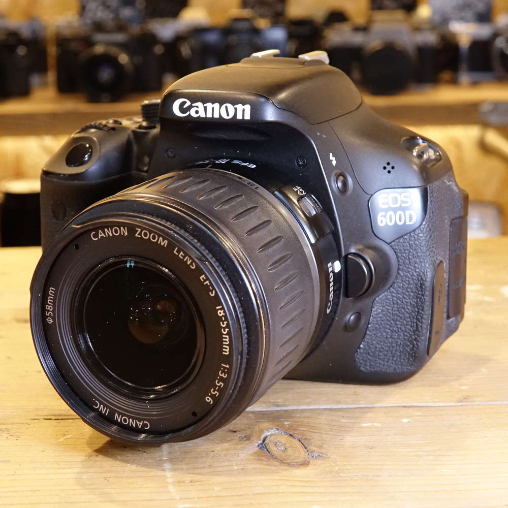 Used Canon EOS 600D Digital SLR Camera With 18-55mm Lens