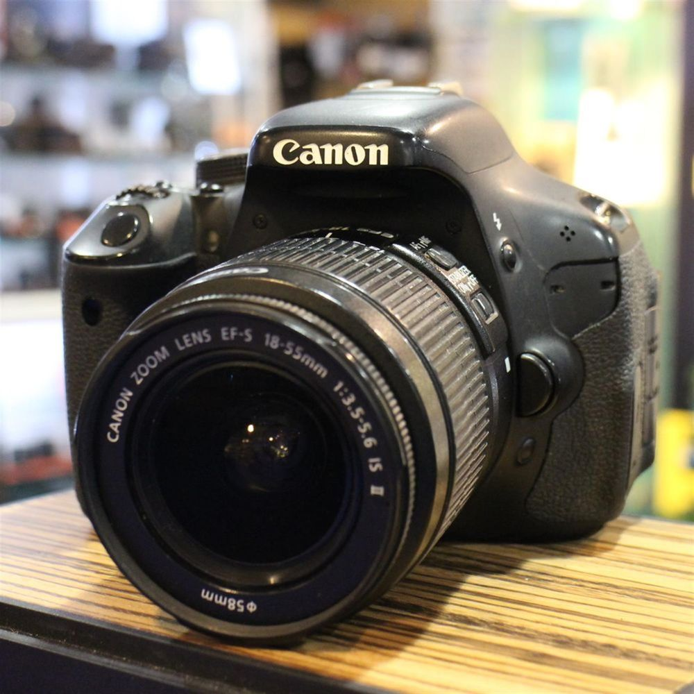 Used canon eos 600d digital slr with 18 55mm f3 5 5 6 is for Housse canon eos 600d