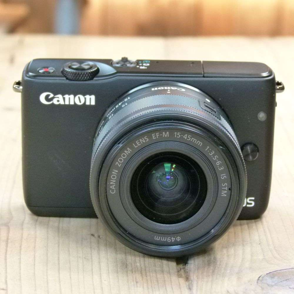 used canon eos m10 camera with 15 45mm is stm lens. Black Bedroom Furniture Sets. Home Design Ideas
