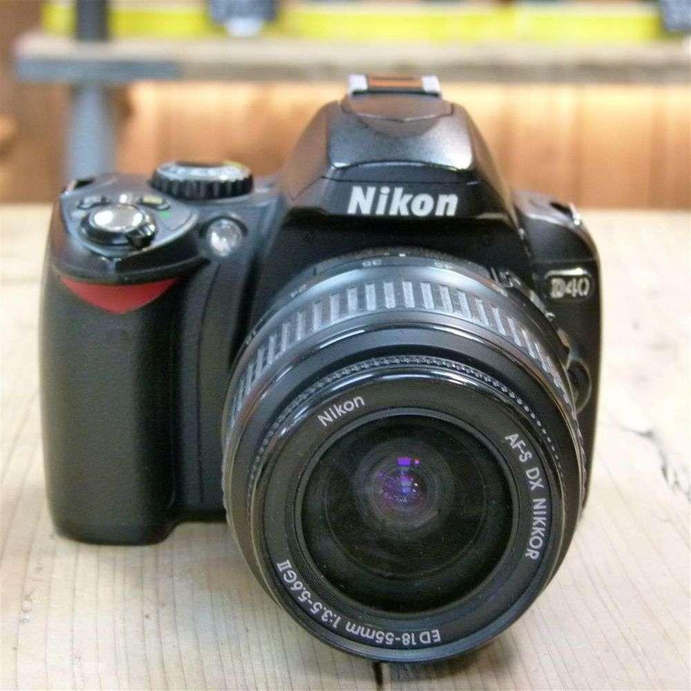 Used Nikon D40 Digital SLR Camera with AF-S 18-55mm Lens