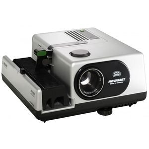 Braun Novamat E150 85mm f2.8 150 Watt Slide Projector