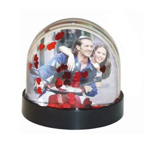 Dorr Snow Globe with Red Hearts