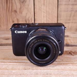 Used Canon EOS M10  Camera with 15-45mm Lens