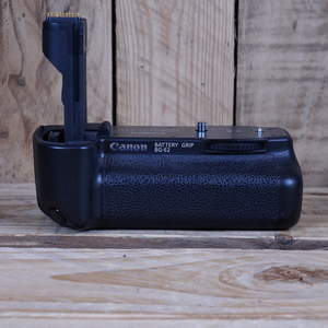 Used Canon BG-E2 Battery Grip