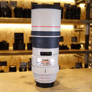 Used Canon EF 300mm F4L IS Lens