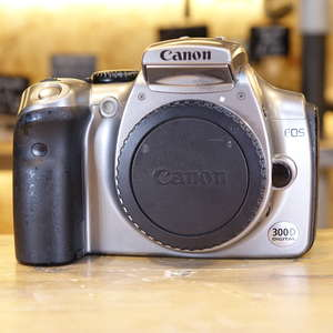 Used Canon EOS 300D DSLR Silver Camera Body