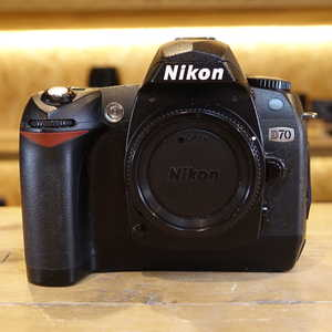 Used Nikon D70 Digital SLR Camera Body