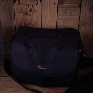 Used Lowepro Rezo 190 AW Camera Bag